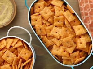 FN_Herbed-Cheese-Crackers
