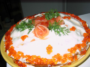 Блинный пирог с семгой