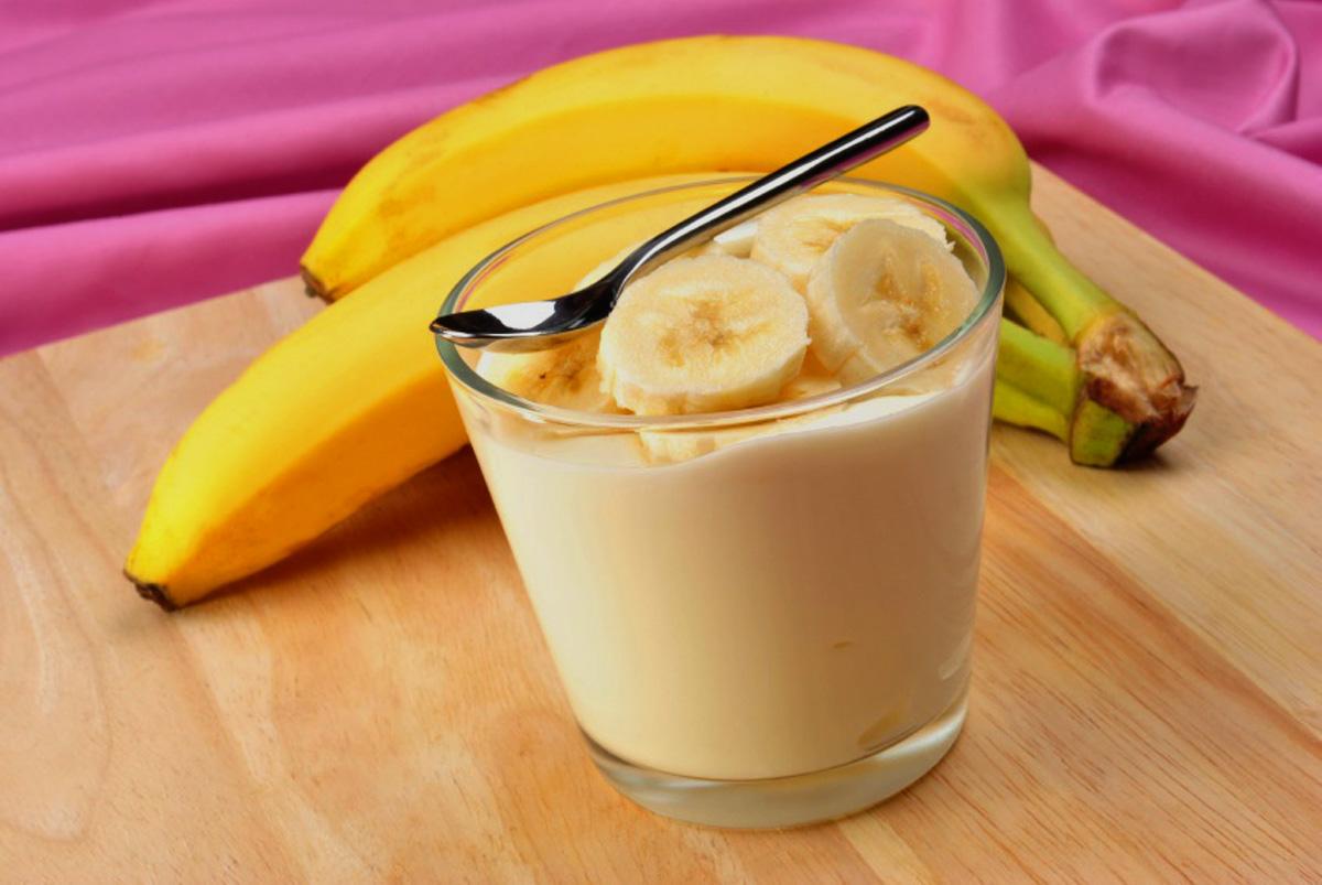Как сделать из йогурта и банана