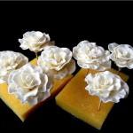 Розы из мастики