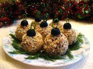 Новогодние закуски Шары с орехом