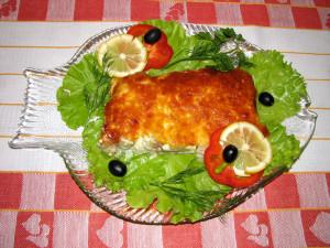 Рыбка под сырным соусом