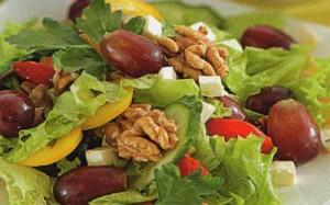 salat-iz-perca-i-vinograda_7471