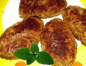 1338203377_recept-prosteyshih-pechenochnyh-kotlet