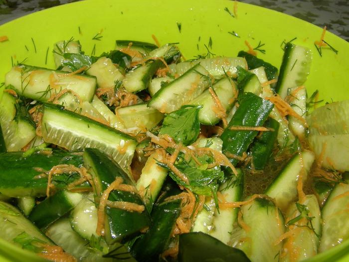 Салат по-корейски с огурцами