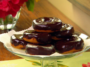 PA1105_Chocolate_Donuts_lg