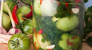 зеленые помидоры с водкой