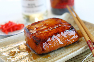 лосось в соевой глазури