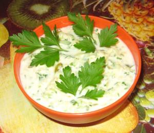 Соус нежный с сыром и зеленью