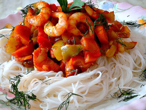 Рисовая лапша с креветками