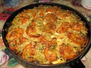 Мясная запеканка с сыром и зеленью в духовке