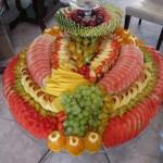 нарезка фруктов на праздничный стол