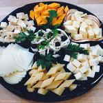 Праазничные нарезки из сыров