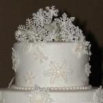 Новогодний торт украшенный мастикой и айсингом